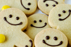 photo shows gingerbread men smiling - hopefully brining a smile to the face of even the most dispondant job seeker